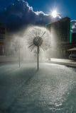 以球的形式一个美丽的喷泉 库存照片