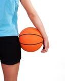 球篮子美丽的女性球员年轻人 图库摄影