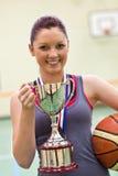 球篮子藏品战利品妇女年轻人 库存照片