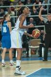 球篮球飞行比赛箍 库存图片