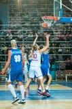 球篮球飞行比赛箍 免版税库存图片