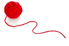 球羊毛查出的红色的线程数 库存图片