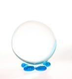 球蓝色水晶小卵石 免版税库存图片