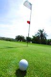 球路线高尔夫球 免版税库存图片