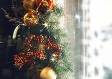 球闪烁亮光轻的织地不很细特写镜头陈列室购物窗口 免版税库存照片