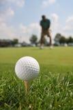 球高尔夫球高尔夫球运动员发球区域 免版税库存照片
