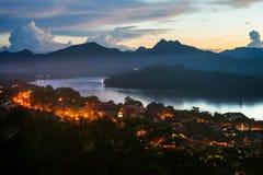 琅勃拉邦镇鸟瞰图在老挝 库存照片