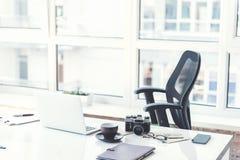 经理书桌有个人事的 免版税图库摄影