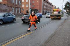 理事会工作者传播由于拖鞋路 免版税库存照片