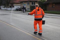 理事会工作者传播由于拖鞋路 免版税图库摄影