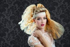 理发和构成方式妇女 免版税库存照片