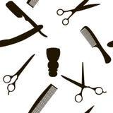 理发店或美发师背景,与理发的无缝的样式剪,剃须刷,剃刀,人的梳子 皇族释放例证