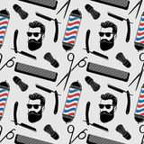 理发店背景、无缝的样式与理发剪刀,剃须刷、剃刀、梳子、行家面孔和理发师杆 皇族释放例证