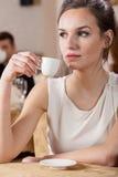 年轻经理在餐馆 免版税库存照片