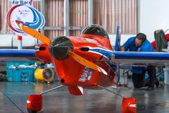 理夏德Zadow没有` s的飞机 15个`前个膝部球员`航空器在海军的U-Tapao塑造在空气种族1世界杯泰国的Cassutt III-M 2017年 免版税库存照片
