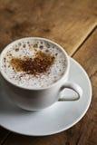 理想的加奶咖啡杯子 图库摄影