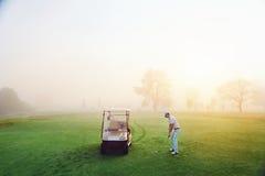 理想的高尔夫球设置 免版税图库摄影