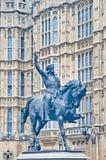 理查第1个雕象在伦敦,英国 免版税库存图片