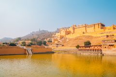 琥珀色的宫殿在斋浦尔,印度 免版税库存图片