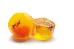 琥珀色的肥皂岩石,手工制造宝石肥皂石头 库存照片