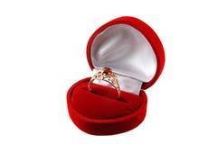 琥珀色的金戒指 免版税库存图片