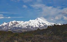 瑙鲁霍伊火山全景在东格里罗国家公园 它以为特色当在魔戒影片的登上死命 库存图片
