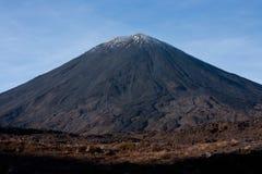 瑙鲁霍伊火山/Mt 在汤加里罗巨大步行的死命在北岛在新西兰 免版税图库摄影