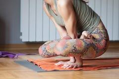 瑜伽位置 免版税库存图片