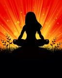瑜伽剪影背景 库存照片
