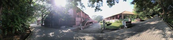 瑜伽印度- Vyasa聚会所学校  免版税库存照片