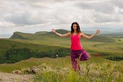 瑜伽女孩 免版税库存照片
