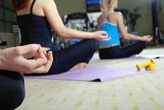 瑜伽执行 库存照片