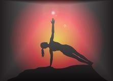 瑜伽旁边板条姿势强光背景 库存照片