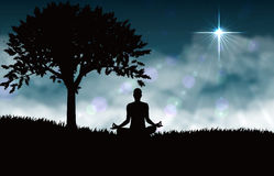 瑜伽的凝思 皇族释放例证