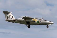 瑞典人空军队历史的飞行绅宝105喷气机教练员SE-DXG 免版税库存图片