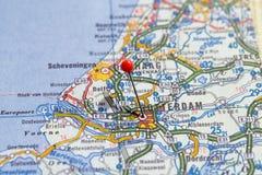 瑞典斯德哥尔摩, 2018年4月07日:地图系列的欧洲城市 鹿特丹特写镜头  免版税图库摄影