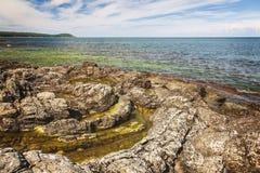瑞典海岸线岩石特点 免版税图库摄影
