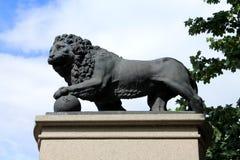 瑞典狮子纪念碑在爱沙尼亚 图库摄影