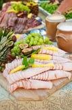 瑞典自助餐肉和果子开胃菜 图库摄影