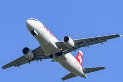 瑞士人空中客车A-320在马里博尔机场LJMB 免版税库存图片