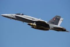 瑞士人空军队F-18大黄蜂喷气式歼击机飞机 免版税库存图片