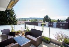 瑞士公寓的阳台 免版税库存照片