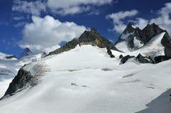 瑞士冰川的山 免版税库存图片