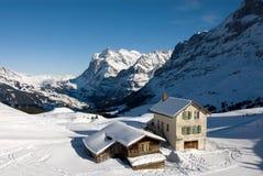 瑞士山中的牧人小屋克莱茵scheidegg 免版税库存图片