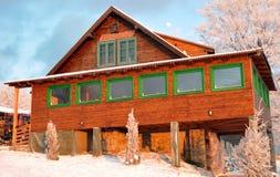 瑞士山中的牧人小屋好罗马尼亚木 库存图片