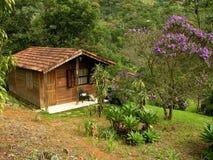 瑞士山中的牧人小屋木头 免版税库存照片