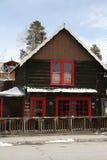 瑞士山中的牧人小屋滑雪 库存图片