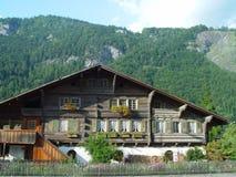 瑞士山中的牧人小屋瑞士 免版税图库摄影