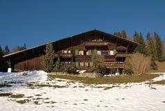 瑞士山中的牧人小屋瑞士 库存照片