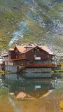 瑞士山中的牧人小屋 免版税图库摄影